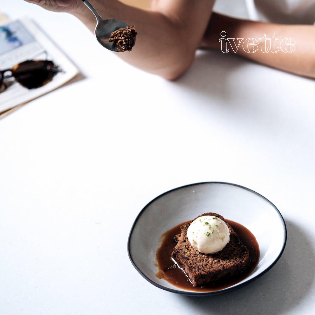 ivette cafe- 太妃焦糖椰棗蛋糕 (圖片引用自ivette cafe線上菜單圖片)