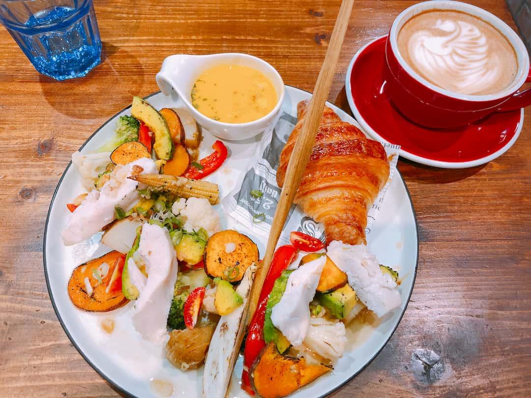 【台中西區】好堅果咖啡(Heynuts Cafe) 台中超人氣早午餐!精誠商圈老宅餐廳!